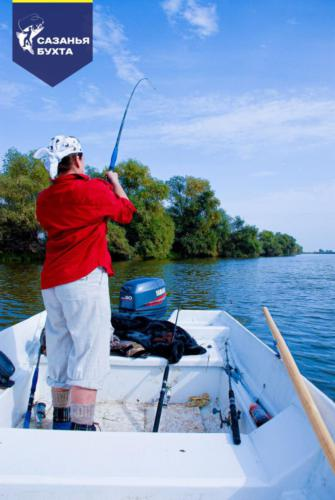 Летняя рыбалка с лодки