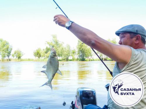 Рыбалка на астраханских раскатах летом