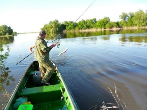 Спиннинговая ловля с лодки