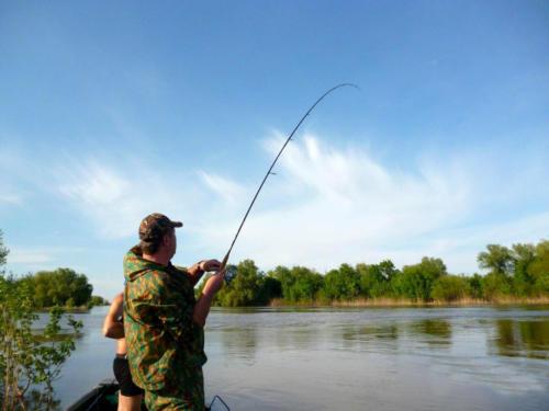 Рыбалка на раскатах весной