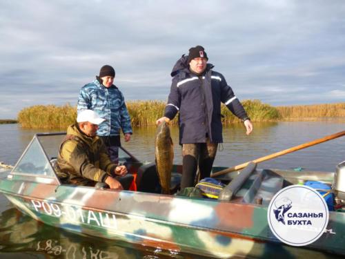 Рыбалка с лодки на сомов